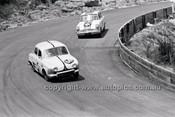 D. Frazer, Renault Dauphine - Catalina Park Katoomba - 8th November 1964 - Code 64-C81164- 68