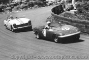 65420 - P. Meyer Lotus Elan and D. macarthur Austin Healey Sprite - Catalina Park Katoomba 1965