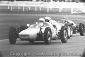 67538 - A. Alessi  Rennmax Vee / B. Daly Dalmac Vee -  Warwick Farm 1967