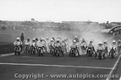75301 - First Lap of the Australian Unlimited GP Sandown 1975 - #02 Hansford / #W Wilvert / #1 Atlee / #H Hennen / #80 Boote / #6 Blake / #22 Sayle / #29 Horsman / #7 Barnett