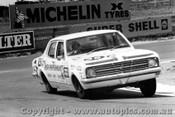 68719 - S. Petralia /  J. Sullivan  Holden Kingswood 186S - Bathurst 1968