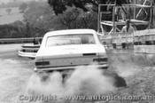 68722 - S. Petralia /  J. Sullivan  Holden Kingswood 186S - Bathurst 1968