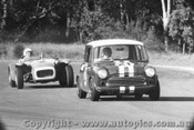 67448 - R. Holden Morris  Mini Lightweight / A. MaCarthur Lotus Super Seven Ford  -  Warwick Farm 1967