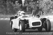 68437 - A. MaCarthur / M. Ryves Lotus Super Seven Fords  -  Warwick Farm 1967