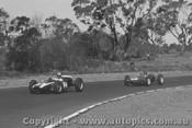 62509 - R. Salvadori Cooper / J. Clark Lotus 21 Climax -  Sandown 1962