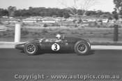 62513 - John Surtees Cooper - Sandown 1962