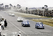 65039 - P.  Manton Morris Cooper S leads J. McKeown and B. Jane Lotus Cortinas -  Calder 1965