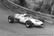 64517 - Frank Matich  Brabham Climax - Catalina Park Katoomba 1964