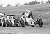 Greg McCombie, Rennmax Vee - Oran Park 6th July 1980  - Code - 80-OP06780-093