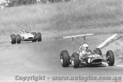 69539 - A. Stewart Lynx / J. Mellan Brabham  -  Oran Park 1969 - Photographer David Blanch