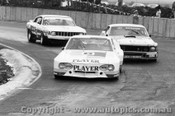 76020 - F. Gardner Corvair / J. Richards  Ford Mustang / T. Edmondson Valiant Charger - Calder1976