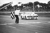 78016 -  J. Richards Ford Falcon - Calder 1978