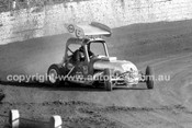 65214 - Westmead Speedway Between 1965 & 1967 - Help needed to identify these drivers
