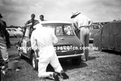 62593 - Ron Flockhart, Morris Cooper - Warwick Farm 4th February 1962