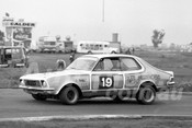 75166 - Graham Smelt, Torana XU1 - Calder 1975 - Photographer Peter D'Abbs