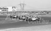 75176 - #2 David Turnbull, Elfin Vee & #40 Doug Trim, Malmark Elfin Vee - Calder 1975 - Photographer Peter D'Abbs