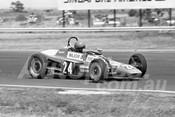 75191 - Rick McKibbin, Venom Mk2 Vee - Calder 1975 - Photographer Peter D'Abbs