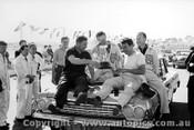 64023 - N. Beechey Impala / B. Jane  Victory Lap - Calder 1962