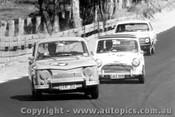 66019 - D. Frazer Renault R8 Gordini / D. Holland Morris Cooper S - Bathurst Easter 1966