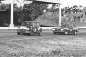 69050 - R. Simmonds / A. McIntyre Morris Cooper S - J. Roxburgh / D. Whiteford Datsun 1600 - Sandown 1969