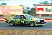81022  - R. Muir Ford Falcon XD - Calder 1981