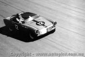 65429 - N. Riley Honda S600 - Catalina Park Katoomba 1965
