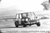 67044 - Brian Foley Morris Cooper S - Surfers Paradise 1967