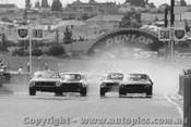 73092 - First Lap Sandown 1973 - Moffat Mustang / Jane Monaro /  Gardner Camaro