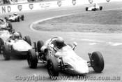 78512 - M. Laverick Rennmax Formula Vee  / P. Houston Elfin Formula Vee - Oran Park 1978