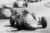 78513 - M. Laverick  - B Cashin Rennmax Formula Vee  - Oran Park 1978