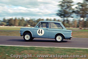 65055 - R. Edgerton - Hillman Imp  -  Warwick Farm 1965 - Photographer Richard Austin