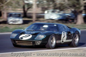 66432 - P. Sutcliffe / F. Matich Ford GT 40 - Rothmans 12 Hour Sports Car Race - Surfers Paradise 1966 - Photographer John Stanley