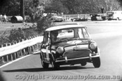 68082 - R. Tweedie Morris Cooper S - Warwick Farm May 1968