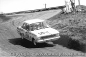 68749 - L. Ayres / M. Volkers Ford Cortina 220  1300cc - Bathurst 1968