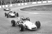 75505 - P. Finlay  Palliser WDF2  -  L. Storey Elwyn Formula Ford - Oran Park 1975