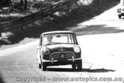 65731 - S. Harvey / L. Stewart -  Morris Mini Deluxe - Bathurst 1965