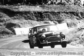 67745 - Smith / Seton  Morris Cooper S  -  Bathurst 1967