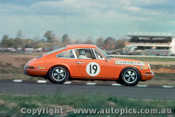 68098 - A. Hamilton Porsch 911 - Warwick Farm 8th September 1968 - Photographer Jeff Nield