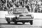 65063 -  G. Garth Ford Cortina - Oran Park 4/7/1965