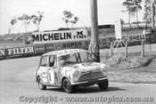 69751 - A. Olsen / S. Bennett Morris Mini K  - Bathurst 1969