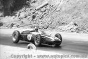 61515 - Jack Brabham  Cooper F1 - Hume Weir 1961