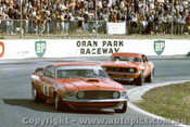 71192 - Allan Moffat Ford Mustang & Bob Jane  Chev. Camaro 427 V8  - Oran Park 8th August 1971