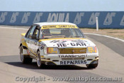 80752 - A. Browne / B. Sampson  Holden Commodore VC  - Bathurst 1980