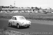 60717 - W. Pitt / Leo Geoghegan  - Renault Dauphine  Armstrong 500 Phillip Island 1960