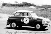 60718 - R. Slaney / G. White  - Lloyde Alexander TS -   Armstrong 500 Phillip Island 1960