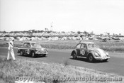 60723 - A. Wylie / K. Wylie Volkswagen and H.Firth / J. Reaburn Singer Gazelle -   Armstrong 500 Phillip Island 1960