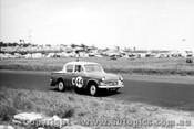 60739 - W. Clemens / D. Dunoon   Hillman Minx - Armstrong 500 Phillip Island 1960