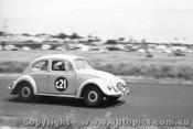 61716 - G. Renolds / G. Cusack  Volkswagen  - Armstrong 500 Phillip Island 1961