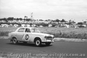 61724 - G. Russell / D. Anderson / T. Luxton -  Peugeot 403   - Armstrong 500 Phillip Island 1961