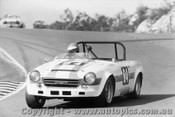 75410 - Jeff Morrow Datsun 2000 - Amaroo Park 18th August  1975